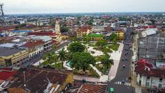 Iquitos Tours/ Plaza de Armas.