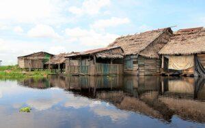 Visita comunidades amazónicas