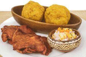 Tacacho con Cecina: comida de la selva.